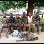 6 robbers in army uniform in police net