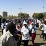 Sudanese protesters seek army's help to sack Al-Bashir (Photos)