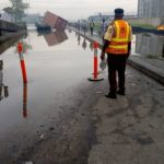 A Trailer Falls Into Water At Brewery Ijora 7up Road In Lagos – Photos
