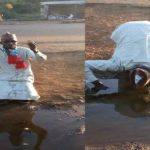 Man Drinks Dirty Water To Celebrate Yahaya Bello's Victory (Photos)