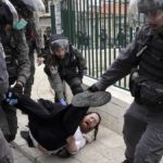 Jerusalem police clash with worshipers as they defy social-distancing rules