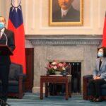 US health secretary meets Taiwan's president on breakthrough trip