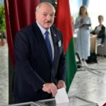 Belarus president Lukashenko looks set to win re-election, prompting protests