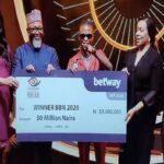 BREAKING: Photo Of Laycon Receiving N30m Today For Winning BBNaija Season 5