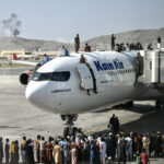 Afghanistan: US warns Americans to avoid Kabul airport amid Taliban hunt